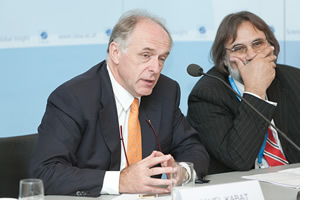 Pavel Kabat and Nebojsa Nakicenovic